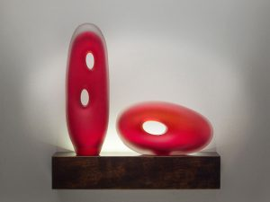 Monolito Series glass sculpture shown with muno and tulum in scarlet color created by Bernard Katz